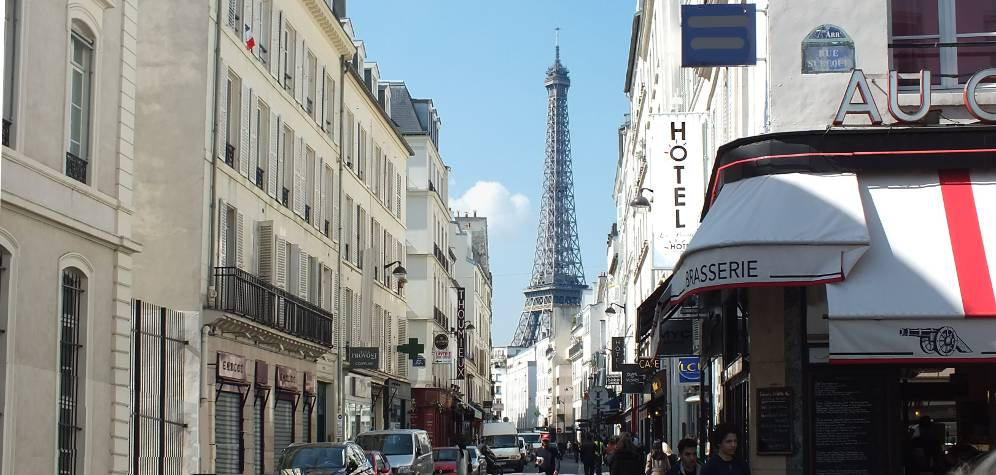 taxi from eiffel tower to charles de gaulle airport best options
